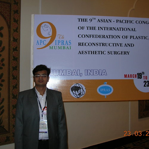 Dr. Parag A. Vibhakar, (M.B.B.S., M.S., M.CH.)